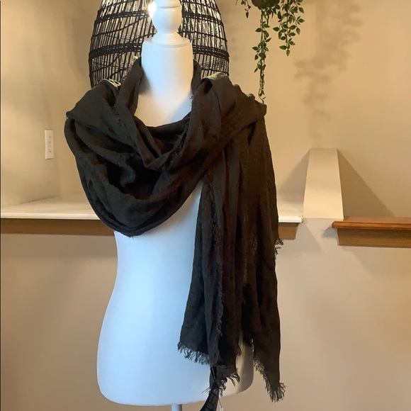 NWT H&M   Olive Green Scarf